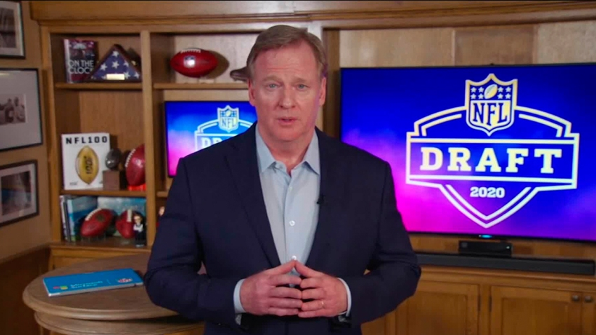 El comisionado de la NFL, Roger Goodell, habla desde su casa en Bronxville, Nueva York, durante la primera ronda del Draft de la NFL 2020 el 23 de abril.