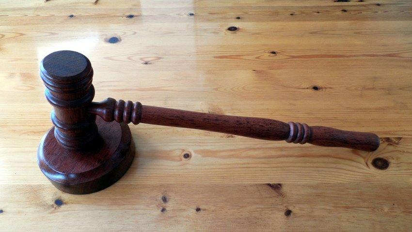 TLMD-Corte-funcionario-donna-