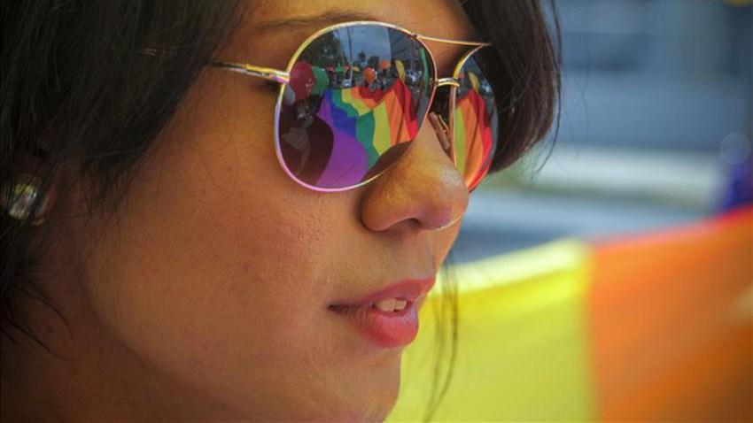 TLMD-mujer-desfile-gay-st