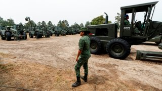 Militares construyen obras impulsadas por AMLO