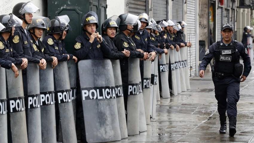Hombre_golpeo_y_lanzo_al_piso_a_mujer_policia_en_Hartford.jpg