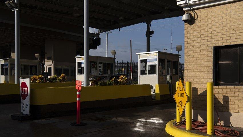 Garitas de inspeccion en el puente internacional Gateway.