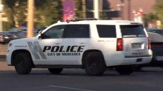 Foto de una patrulla de la policía de Mercedes.