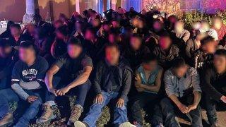 Migrantes capturados en casas en Laredo