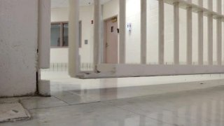 Foto del interior de la carcel del condado Hidalgo
