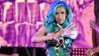 Hablando en español, la rapera sacó la cara por su país de origen tras la ola de noticias negativas que se han originado en la nación...