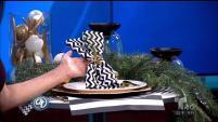 Atrévete a decorar la mesa para la cena de navidad  utilizando los colores blanco, negro y dorado.