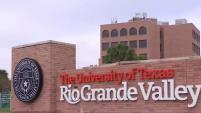 La mesa directiva de la Universidad de Texas aprobó un aumento en los costos de inscripción que impactará a todos sus recintos, incluyendo...