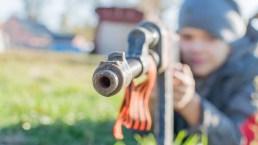 Los juguetes más peligrosos: entre ellos, un rifle que parece real