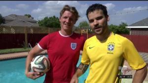 Fanáticos muestran su pasión por el fútbol con los Panini