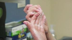 Lavarse las manos previene graves enfermedades.