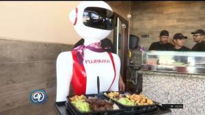 Inauguran nuevo restaurante en McAllen con mesera robótica