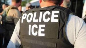 ¿Qué hacer si ICE realiza una redada en el trabajo?