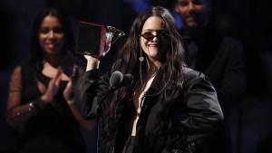 La española Rosalía se impone en los Latin Grammy