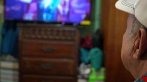 Televisión estaba pagada y se la llevaba apagada.