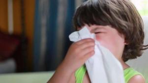 Si se enferma su hijo, ¿lo debe llevar a la escuela?