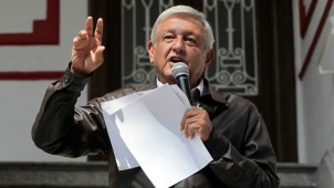 Próximo presidente de México promete reducir su sueldo