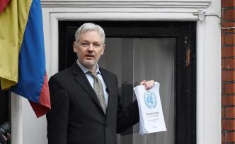 Assange aceptará su extradición a EEUU con una condición