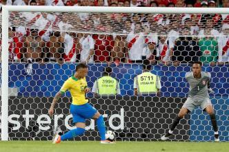 Golazo de Brasil le da ventaja 1-0 en la final