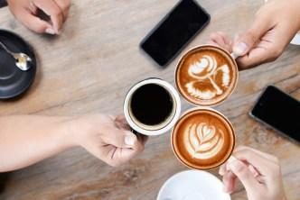 ¿Quieres ganar $1,000 por tomar café? Hay una condición