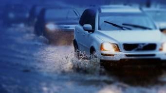 Cierre de calles por las fuertes lluvias y tormentas