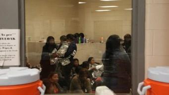 WSJ: nueva política liberaría a algunas familias migrantes