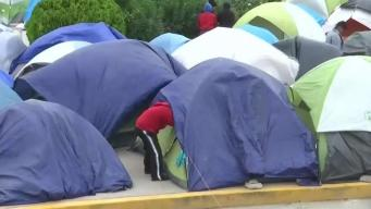 Migrantes afirman que funcionario los amenazó con quitarle a sus hijos