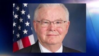 Congresista texano se disculpa tras revelación de foto explícita