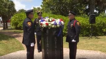 Honran a víctimas del colapso del puente Queen Isabella