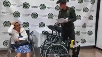 Detienen a anciana por supuestamente traficar cocaína en silla de ruedas