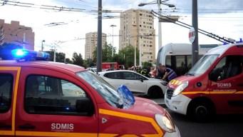 Mortal ataque con cuchillo en parada de autobús en Francia