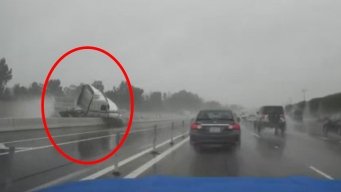 Dramático video: pierde el control de su camión en pleno trancón