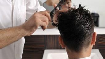 Ofrecen recortes de cabello gratis para alumnos en Peñitas