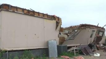 Reciben apoyo tras perder su casa en una tormenta