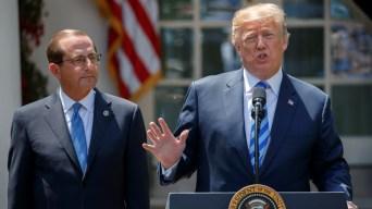 Trump culpa a países extranjeros por costo de medicinas
