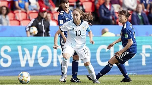 [WWC 2019 - PUBLICADO] Banini ¡a lo Messi! durante el debut de Argentina en el Mundial Femenino