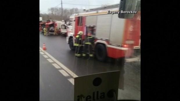 Mueren 4 personas atropelladas en Moscú; camión cayó en escaleras del Metro