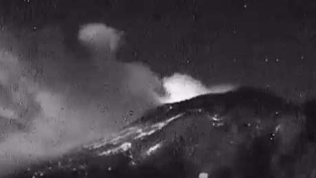 [TLMD - LV] Hace erupción el volcán Popocatepetl