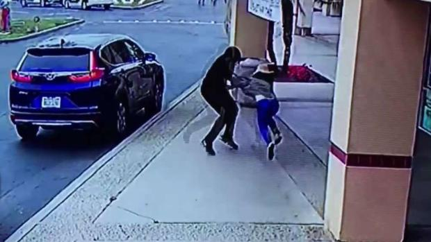 [TLMD - LA] Imágenes impactantes de violento asalto mortal