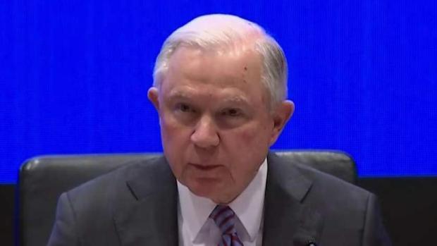 Presionan a jueces de inmigración por las demoras