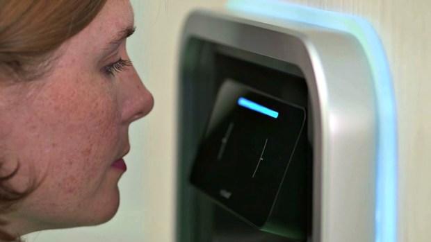 """Fotos: Conoce el ATM que """"te mira"""" para darte dinero"""