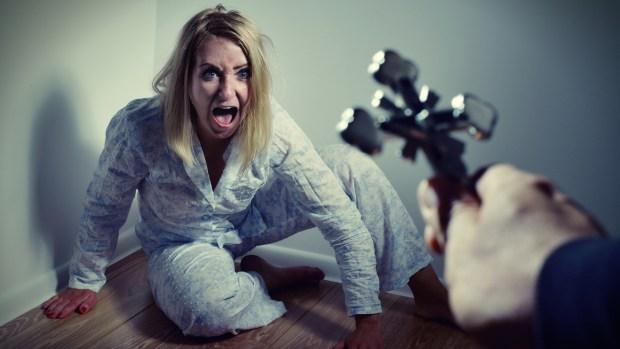 """[TLMD - NATL] Exorcismos por celular se disparan ante más """"poseídos por el demonio"""""""