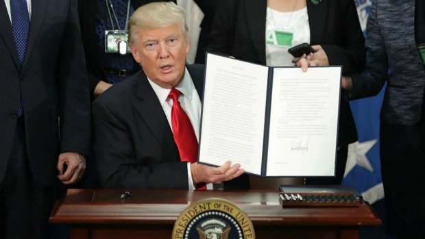 Decretos de Trump: revisión de veto migratorio y más