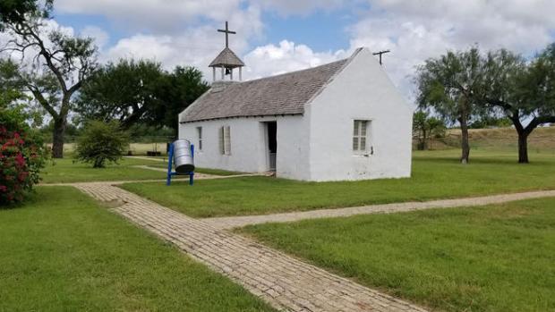 [TLMD - NATL] Corte concede derecho al gobierno federal de entrar a la capilla La Lomita