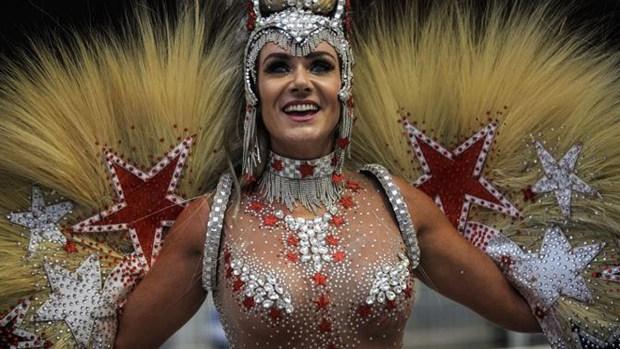 Sensual y colorido: se desata el carnaval en Brasil
