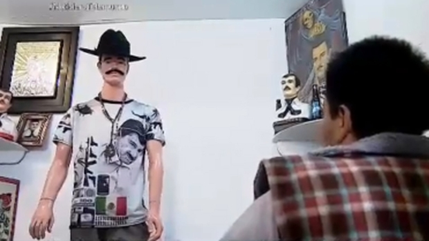 "Visten a Jesús Malverde como  ""El Chapo"" Guzmán"