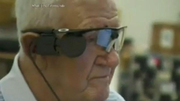 Video: Realizan implante de ojo biónico