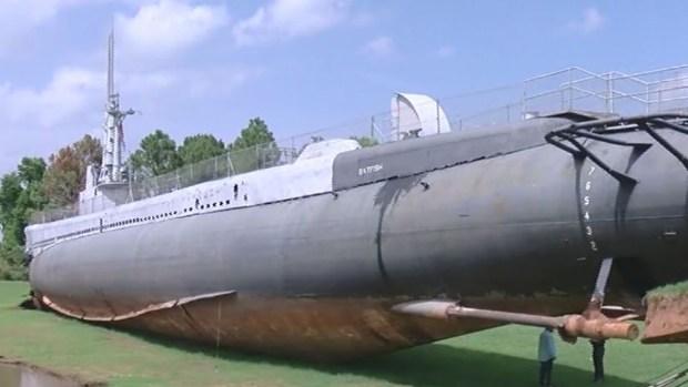 Batship, el submarino en tierra que se movió
