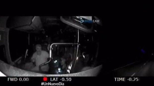 Video: Bus sin control tras ataque al conductor