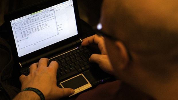 "Video: Como protegerse de ""hackers"" en iCloud"